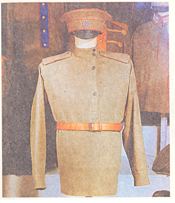 Летняя солдатская походная форма (фуражка, рубаха)